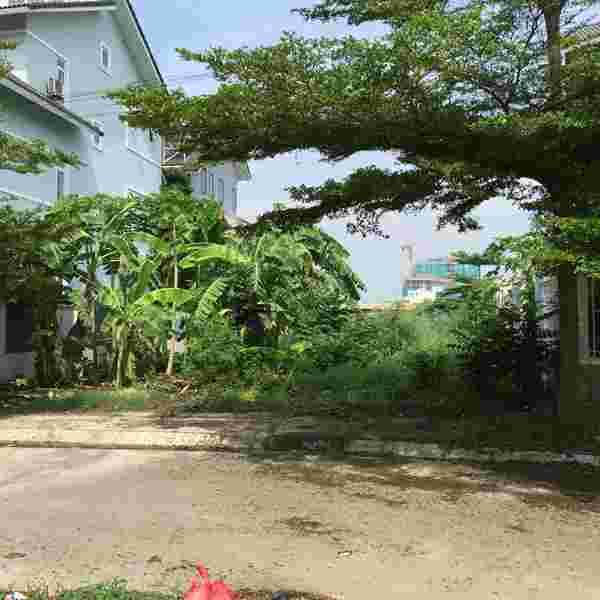 Bán đất biệt thự dự án Sadeco Nghỉ Ngơi Giải Trí Quận 7, nền A30 góc 2 MT, sổ đỏ, 237,4m2, 118 triệu/m2. LH: 0913.050.053  Mr Huynh.