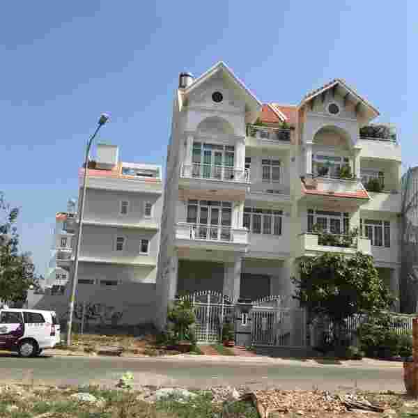 Bán đất Him Lam Kênh Tẻ, nền nhà phố liền kề D21, dien tích 150m2, giá 125 triệu/m2, đường số 2. LH: 0913.050.053