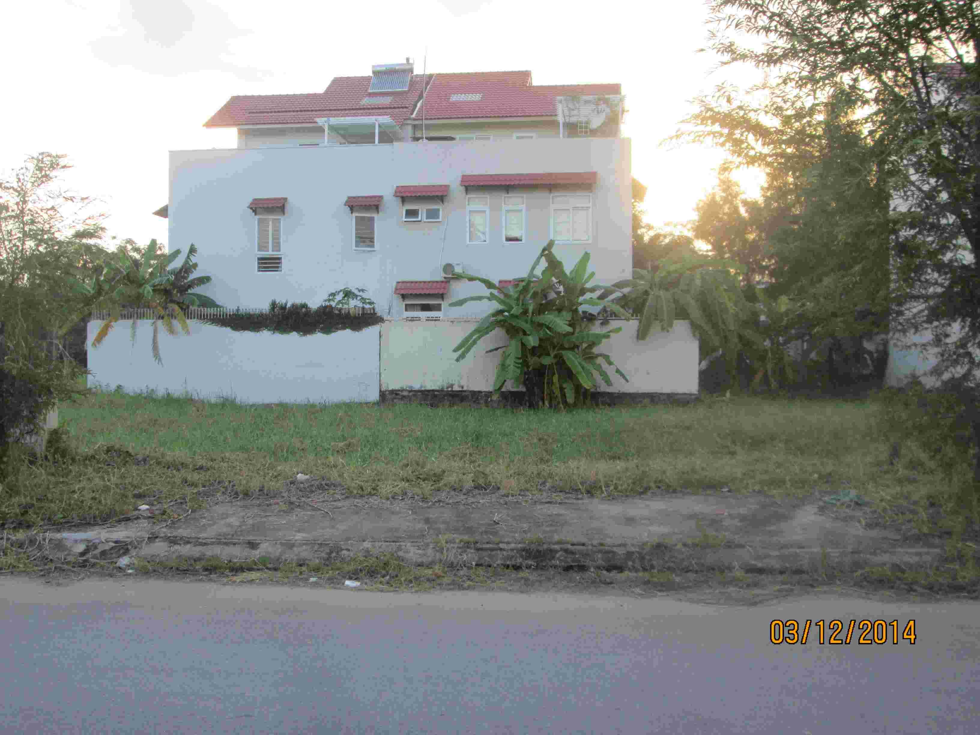 Bán đất nền biệt thự Sadeco Phước Kiển A, lô C14, 200m2, MT đường 16m, hướng Đông, giá 70 triệu/m2