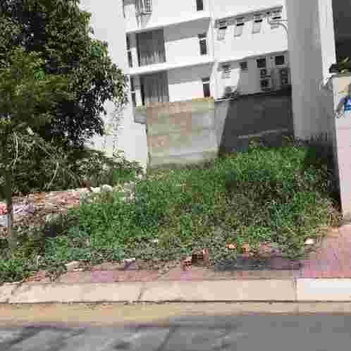 Cần bán đất nền khu dân cư Kim Sơn Qận 7, giá rẻ nhất thị trường 100 triệu/m2, sổ đỏ, hướng Tây, 100m2. LH:0913.050.053
