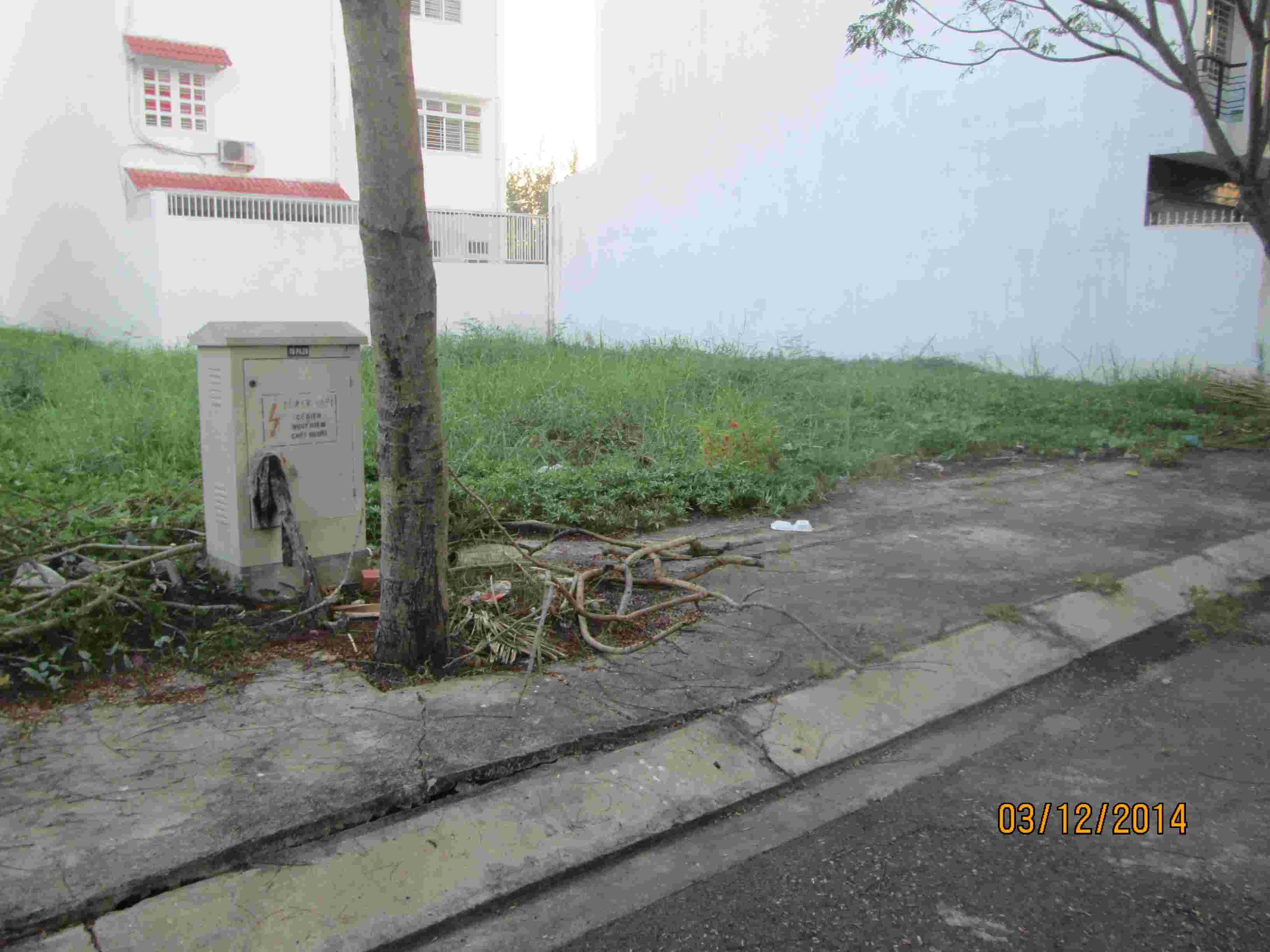 Bán đất nền nhà phố Sadeco Ven Sông, MT đường Nguyễn Văn Linh, lô C19, 126m2, giá 123 triệu/m2