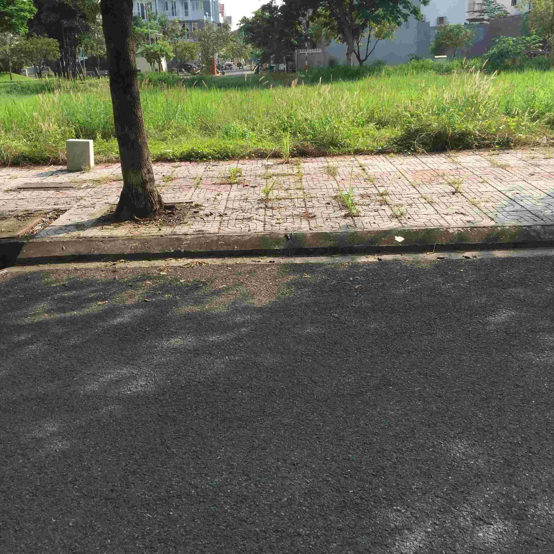 Bán đất nền Sadeco Ven Sông quận 7, mặt tiền Nguyễn Văn Linh, 126m2, sổ đỏ, giá 133 triệu/m2. LH: 0913.050.053