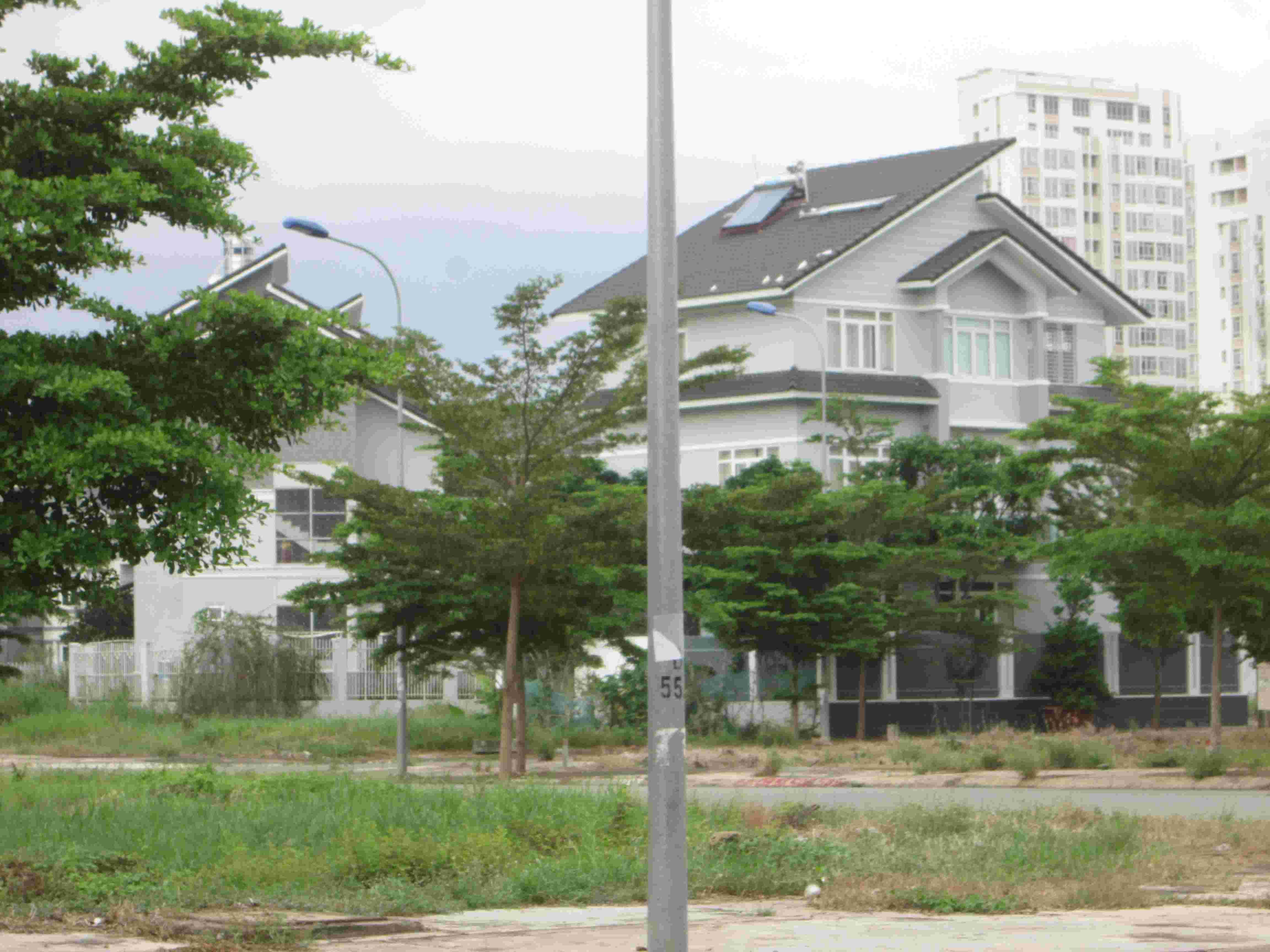 Bán đất Sadeco Nghi Ngơi Giải Trí Tân Phong, quận 7, sau Vivo City,lô góc 2 MT, A41, 242.5.5m2, giá 78 triệu/m2