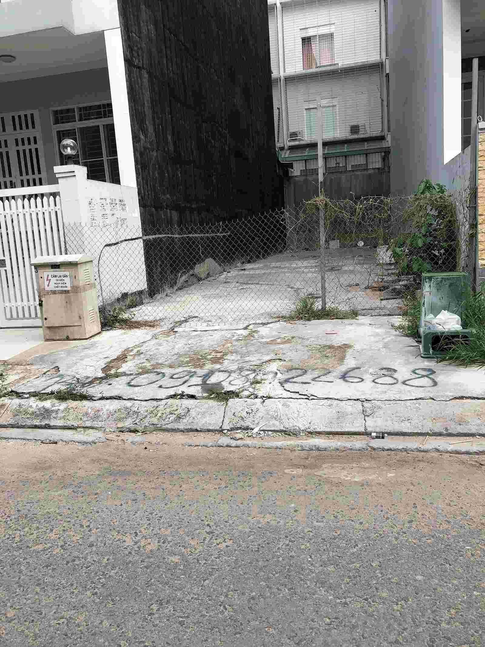 Bán nền đất nhà phố Him Lam Kênh Tẻ giá rẻ nhất thị trường 13 tỷ, mặt tiền đường số 3. LH: 0913.050.053   Mr Huynh.