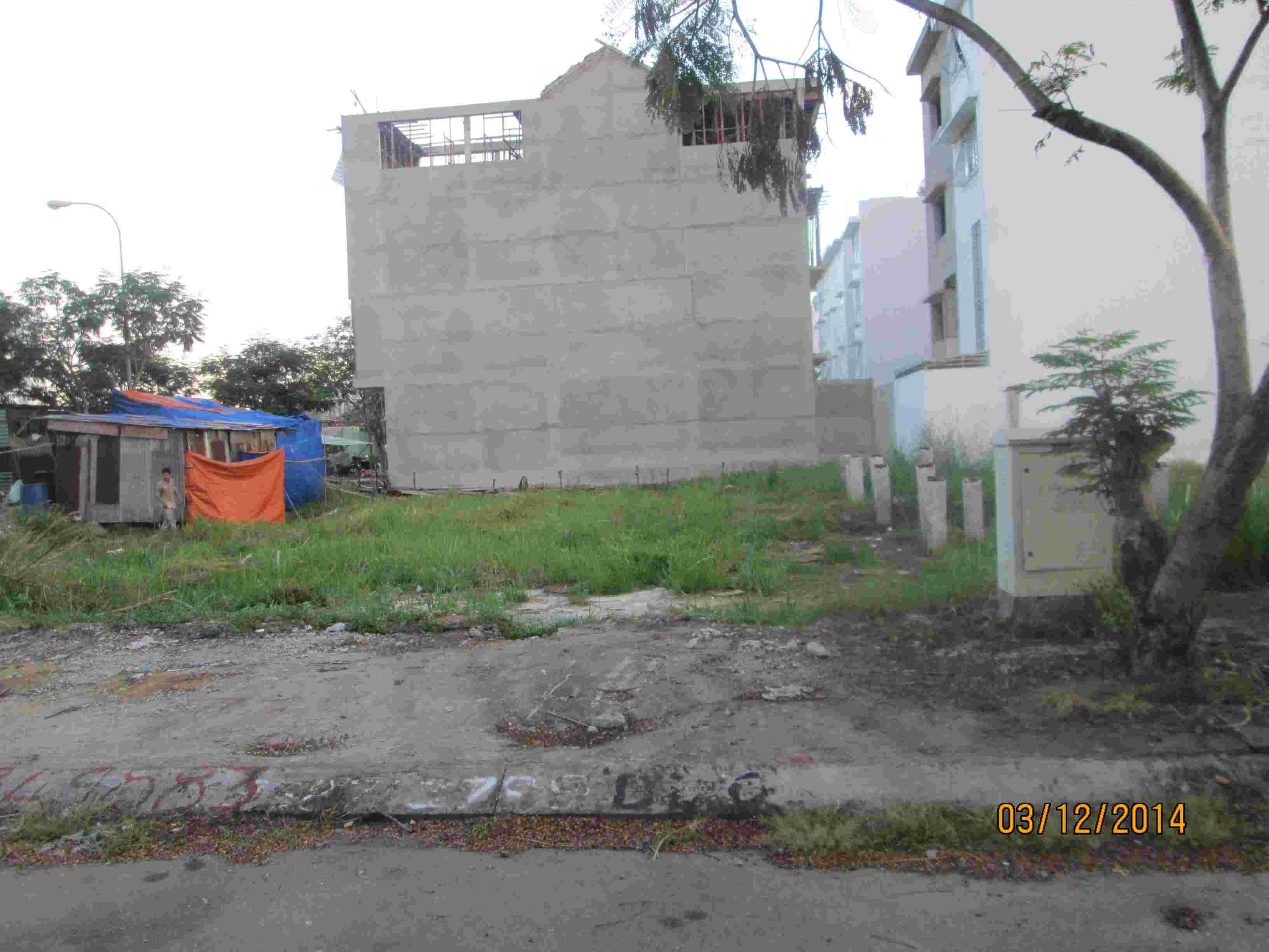 Bán nền đất nhà phố Sadeco Phước Kiển A, lô J12, sổ đỏ, 100m2, giá 82 triêu/m2, mặt tiền đường 16m.