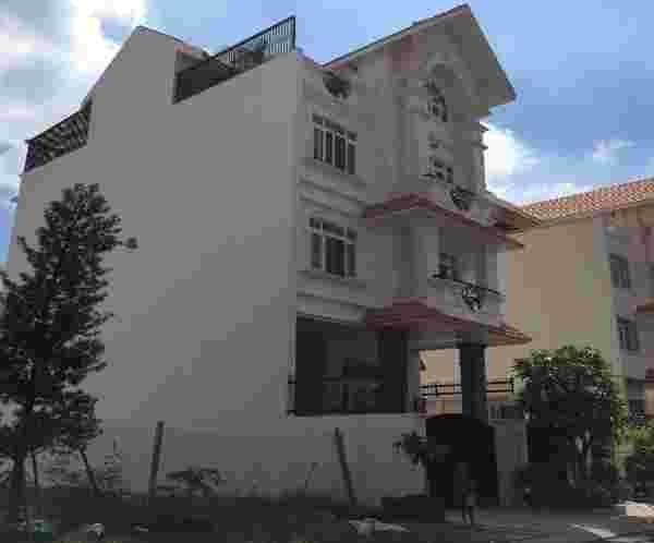 Bán nhà biệt thự Him Lam quận 7, sổ hồng,  vị trí đẹp, 25.7 tỷ. LH: 0913.050.053