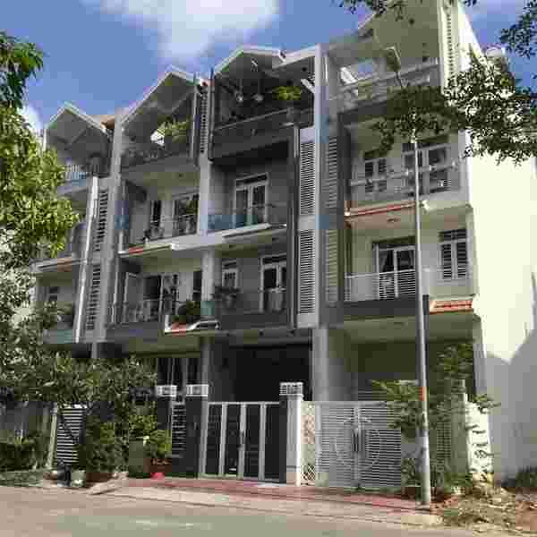 Bán nhà phố Him Lam Kênh Tẻ mặt tiền đường D1, nhà O17, 1 hầm, 1 lửng, 3 lầu, 1 áp mái, sổ hồng, 29 tỷ. LH: 0913.050.053