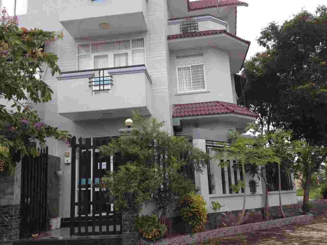 Bán nền đất nhà phố khu dân cư Sadeco Ven Sông Tân Phong Quận 7, lô góc 2 MT đường số 8 và số 5, giá 16.6 tỷ. LH: 0913.050.053  Mr Huynh.