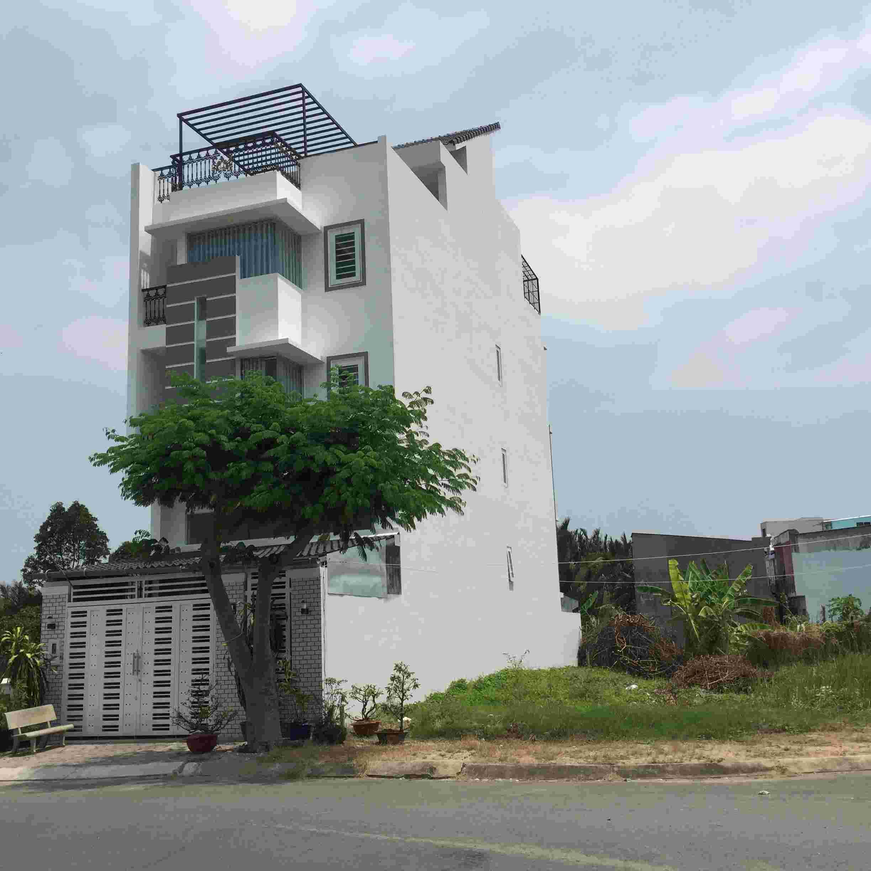 Bán đất khu Sadeco Ven Sông Tân Phong Quận 7, mặt tiền đường Nguyễn Văn Linh, diện tích 7mx18m=126m2, nền C23, giá 131 triêu/m2.  LH: 0913.050.053