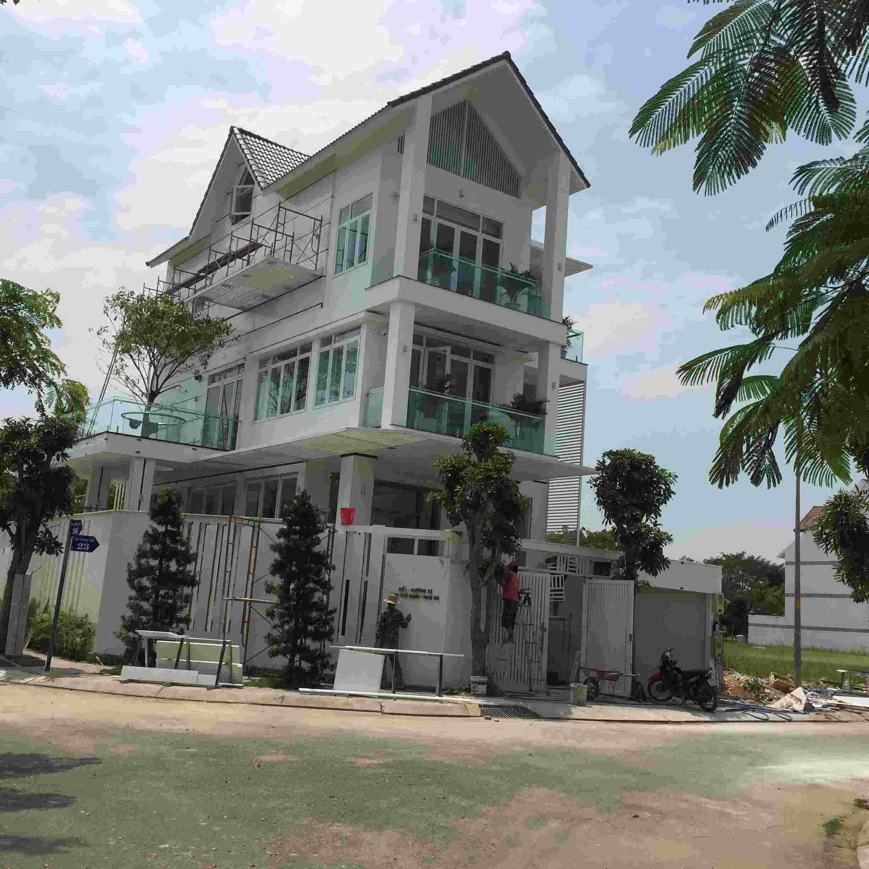 Cần bán đất nhà phố Sadeco Phước Kiển A, 95m2,  giá 63.5 triệu/m2.LH: 0913.050.053  Mr Huynh.