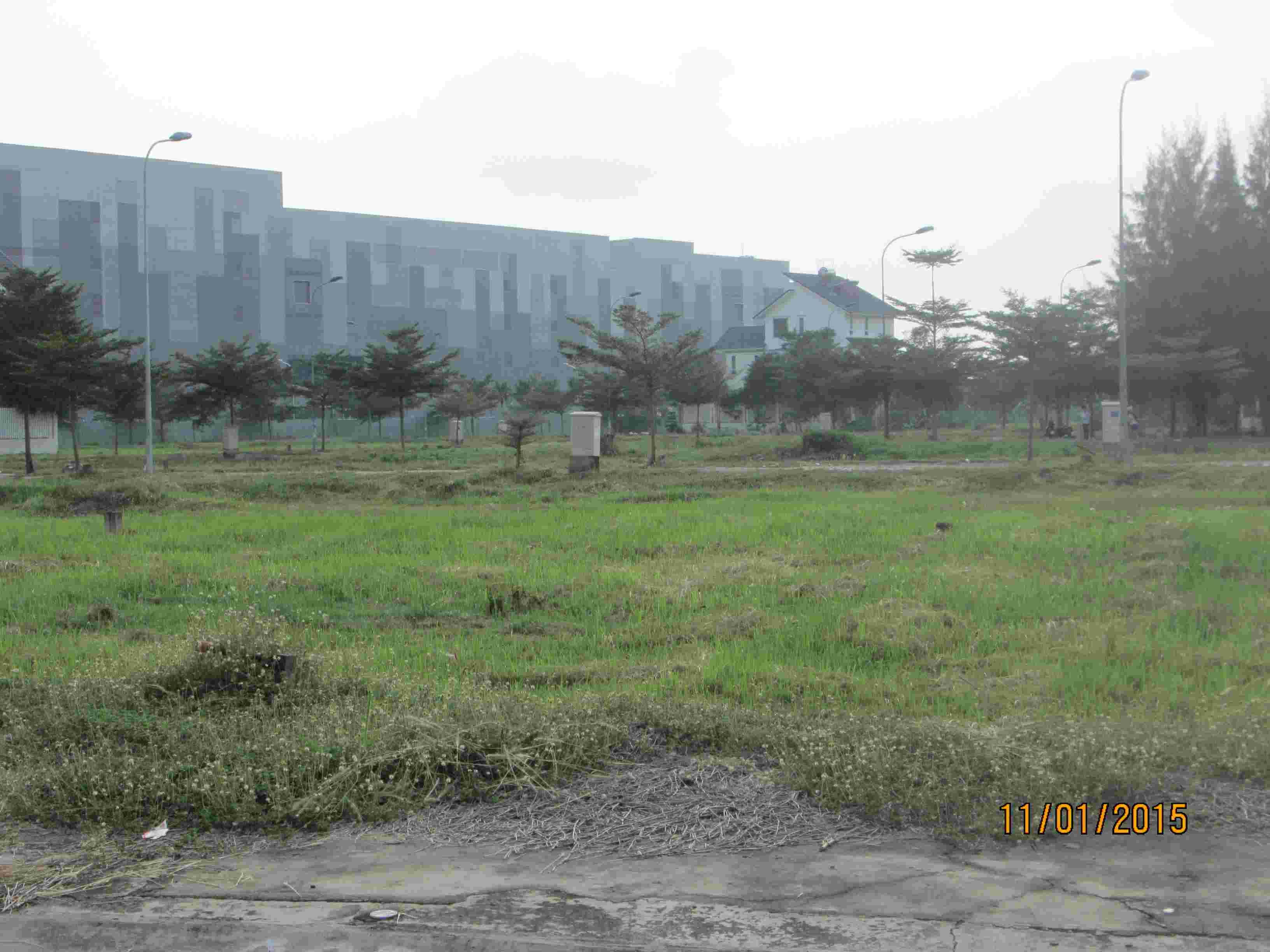 Cân bán gấp đất nền, lô góc 2 MT, khu Sadeco Nghỉ Ngơi Giải Trí Tân Phong, A41, 237m2, hướng B& Đ, giá 75 triệu/m2