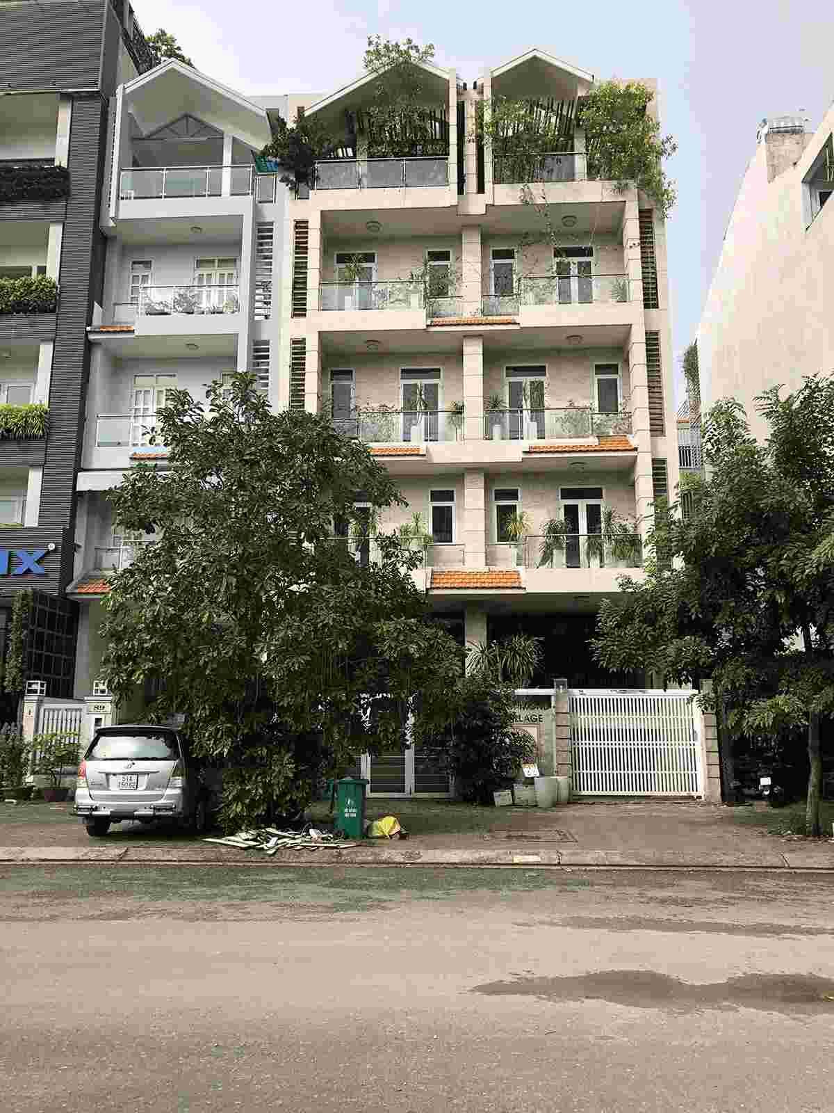 Cho thuê nhà phố nguyên căn khu Him Lam Kênh Tẻ Quận 7 mặt tiền đường  D1, tiện kinh doanh, giá 65 triệu/m2. LH: 0913.050.053
